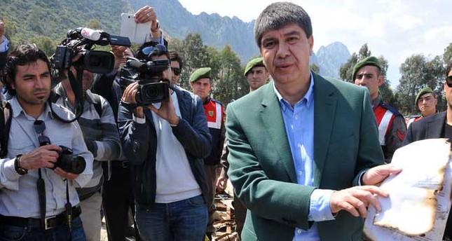 Former Antalya mayor attempts to destroy files