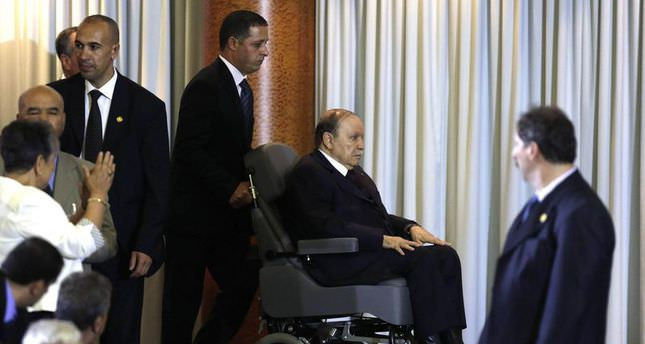 Algeriau0027s president takes oath of office from wheelchair  sc 1 st  Daily Sabah & Algeriau0027s president takes oath of office from wheelchair - Daily Sabah