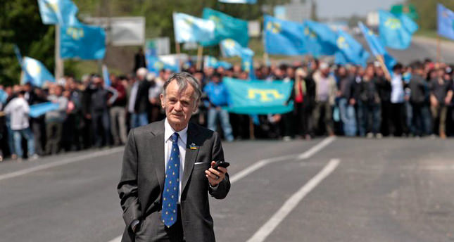 Crimean Tatar leader not allowed entering Crimea