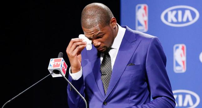 NBA MVP Kevin Durant cries tea...