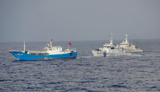 Philippines arrests 11 Chinese fishermen in South China Sea
