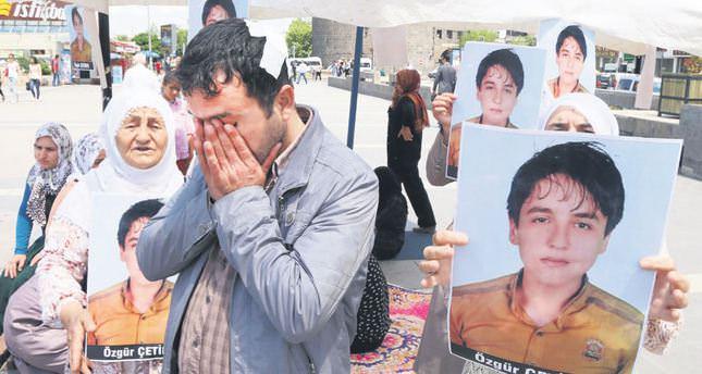 Kurdish families protest against PKK over kidnapped children