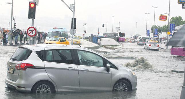 Rain inundates Istanbul