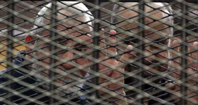 Egypt court sentences 10 Brotherhood leaders to death