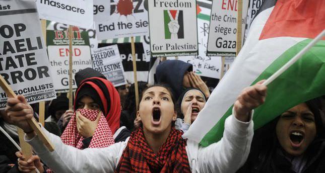 Hundreds protest against Israel in London