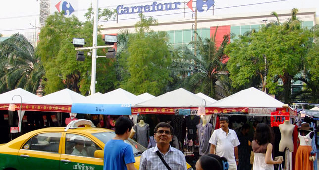 Carrefour cashes in Indian chips