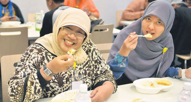 Halal tourism takes off in Japan among Asia's Muslim travelers