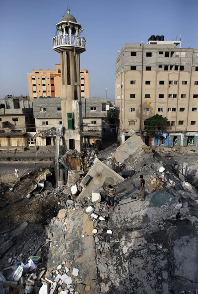 Israel hits mosque in Gaza