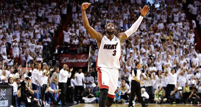 Heat and superstar Dwayne Wade agree to 2-year deal