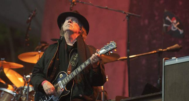 Neil Young's first concert in Istanbul rocks the city