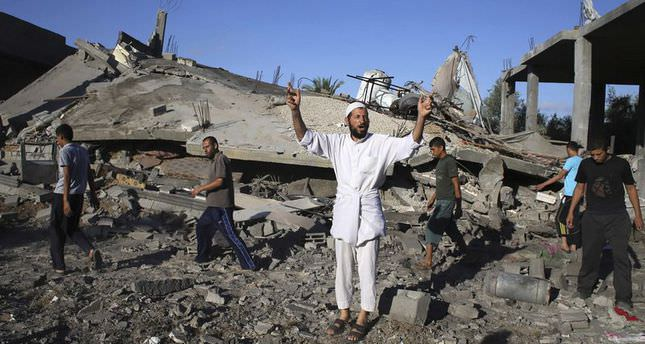 Israel strikes homes of Hamas leaders after failed truce