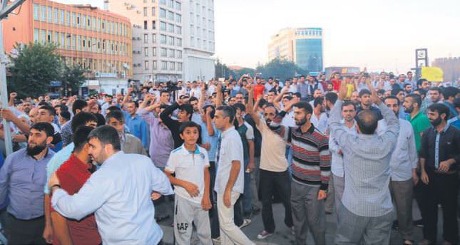 Rioters disrupt Ramadan events in two Turkish cities