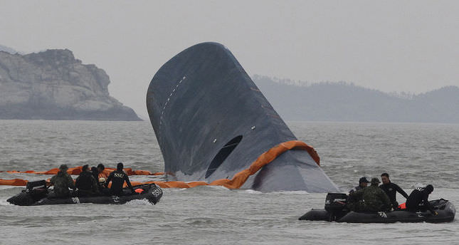 Five die in search for remaining South Korea ferry victims