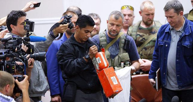 Pro-Russian rebels hand over MH17 blackbox to Malaysian investigators