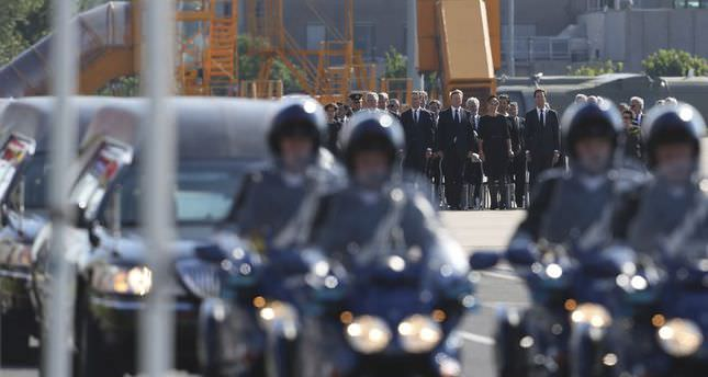 Dutch Mourn as MH17 victims arrive in Netherlands
