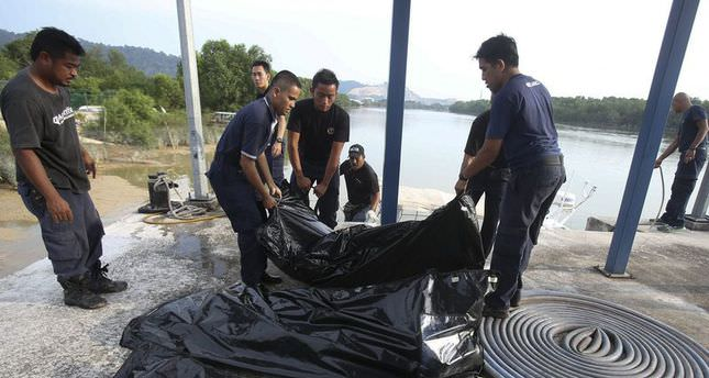 Overloaded boat sinks in Malaysia, three killed, eight missing