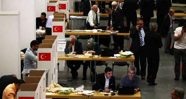 Expat Turks flock to ballot boxes for presidential election