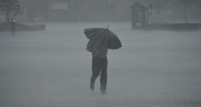 Storm, heavy rainfall hit Istanbul