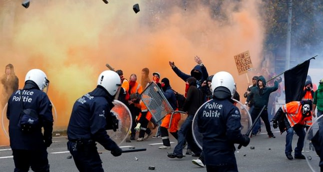 100,000 people protest labor reform in Brussels