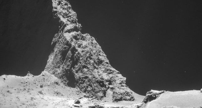 Historic attempt to land first-ever spacecraft on a comet in motion after decade