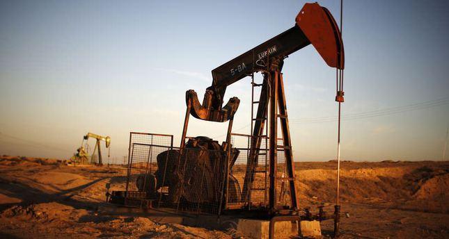 Brent crude oil price falls 4 year-low to $81per barrel