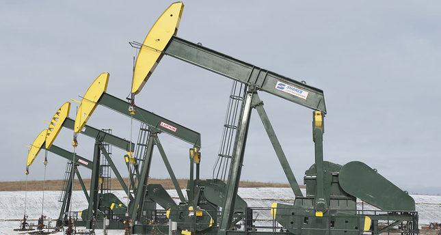 Falling oil prices help decrease Turkish current account deficit