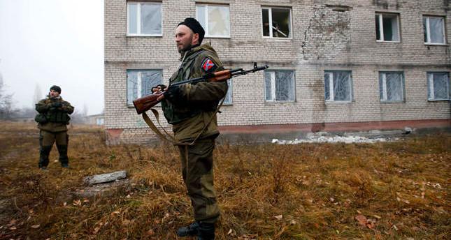 EU mulls new sanctions on rebels in Ukraine instead of Russia