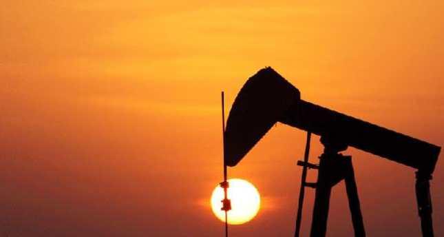 Oil price slide hits Kuwait gov't income