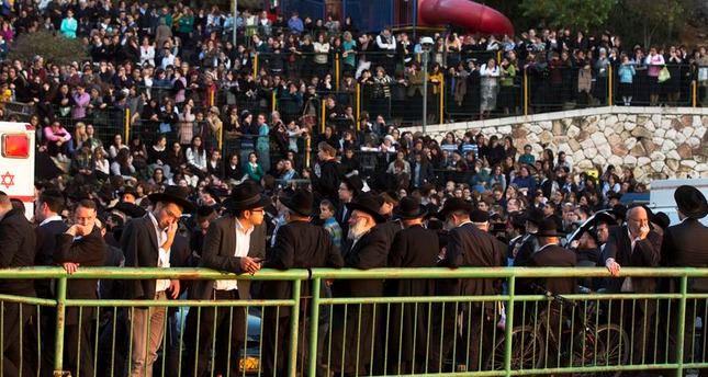 Obama urges calm after attack at Jerusalem synagogue