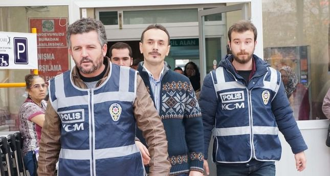 Istanbul court issues arrest warrants for 5 Gülen affiliated police officers
