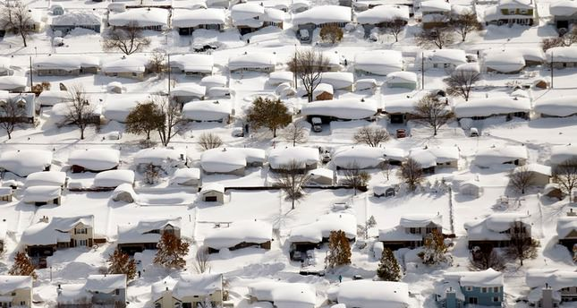 Eight deaths reported as western New York faces 2.5 meters of snow