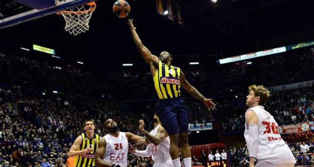 Fenerbahçe march on while Efes freeze in Russia