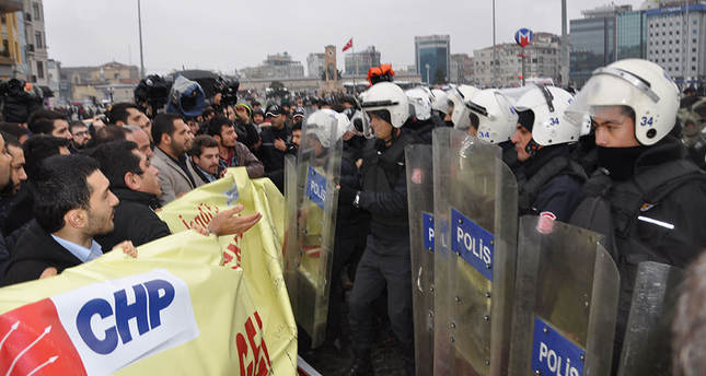 Police disperse protest staged by CHP members in Gezi Park