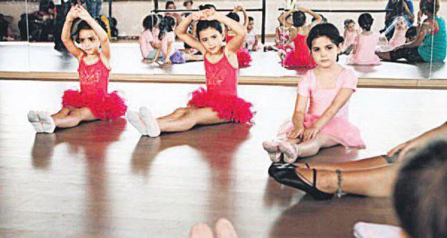 Palestinian dancer seeks change through ballet