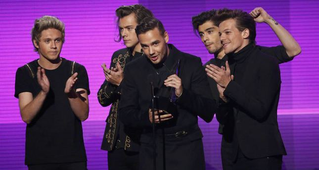 One Direction wins top honors at American Music Awards