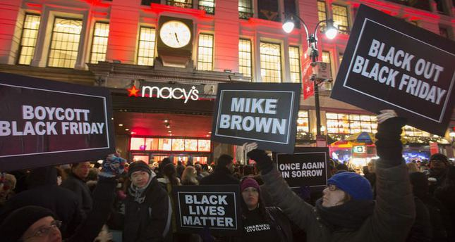 Ferguson protests move to retail stores on Black Friday