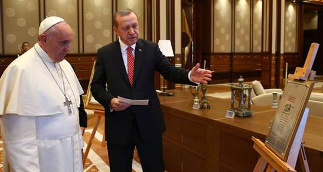 President Erdoğan presents Ottoman gifts to Pope Francis
