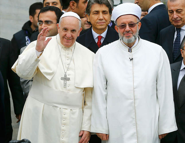 Pope Francis arrives in Istanbul, visits landmarks