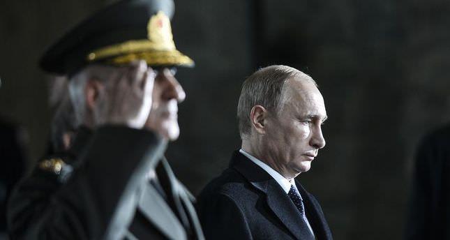 Putin pays tribute to Turkey's founding leader Atatürk in Ankara