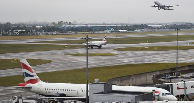 Police stop plane in London to retrieve girl planning to join ISIS