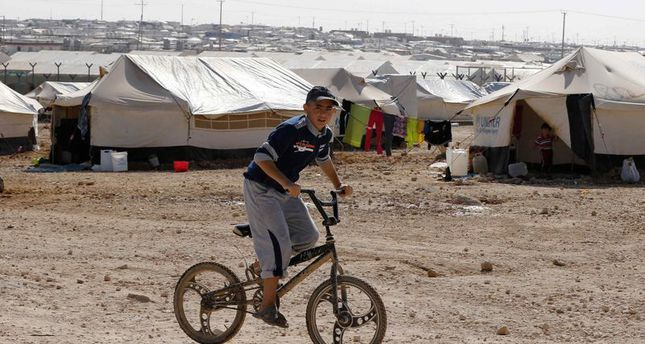 Turkey continues to help Syrian refugees