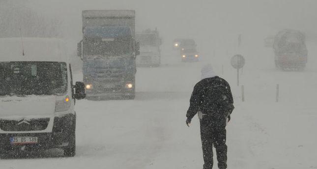 Western Turkey snowed under bad weather