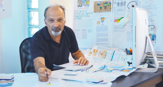 İzmir center of global quake warning network