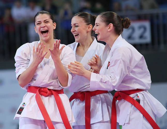Turkish women karatekas win gold medal in European championship
