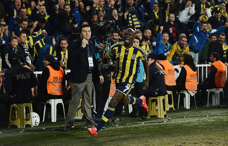 Fenerbahce forward Moussa Sow celebrates last minute goal against Besiktas  Photo: IHA