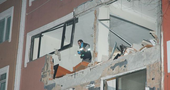 Explosion kills one at magazine office of 'Adımlar' in Istanbul