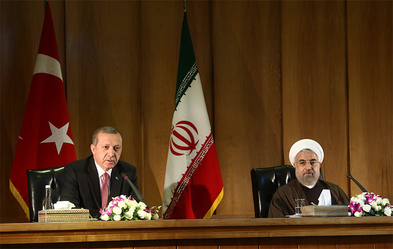 President Erdogan (L) and his counterpart Rouhani (R) held a press conference during Erdou00c3u201eu00c5u00b8an's official visit to Iran yesterday.