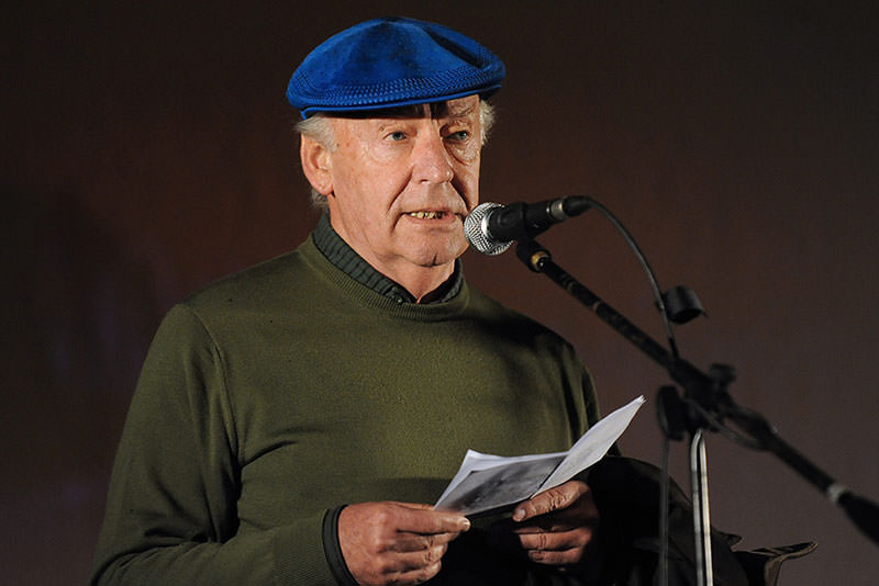 Galeano speaks during the closing march to support the referendum to abolish an amnesty law for those involved in crimes against human rights during Uruguay's last dictatorship (1973-1984), in Montevideo in 2009 (AFP Photo)