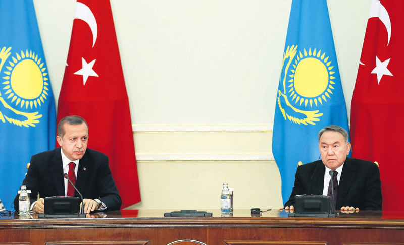 President Recep Tayyip Erdou011fan (L) held a joint press conference with Kazakh President Nursultan Nazarbayev (R) and signed the joint statement regarding the results of the High-Level Strategic Cooperation Council.