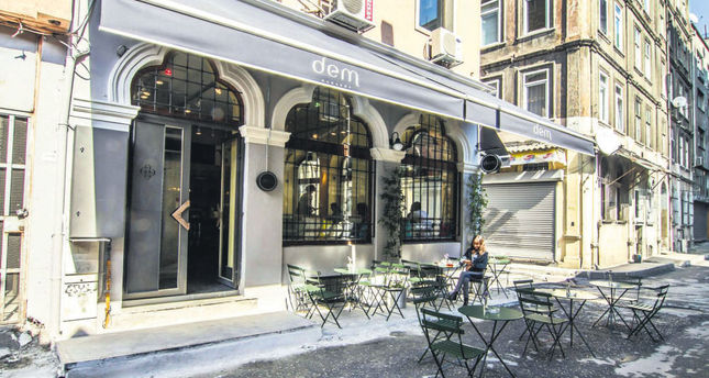Inviting outdoor cafes to enjoy Istanbul's spring energy